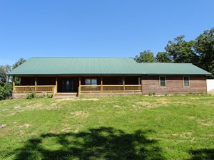 COUNTRY HOME NEAR MONTAUK STATE PARK!