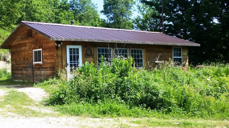 Rustic Log Cabin on Prime Deer Hunting Acres Southwest WI