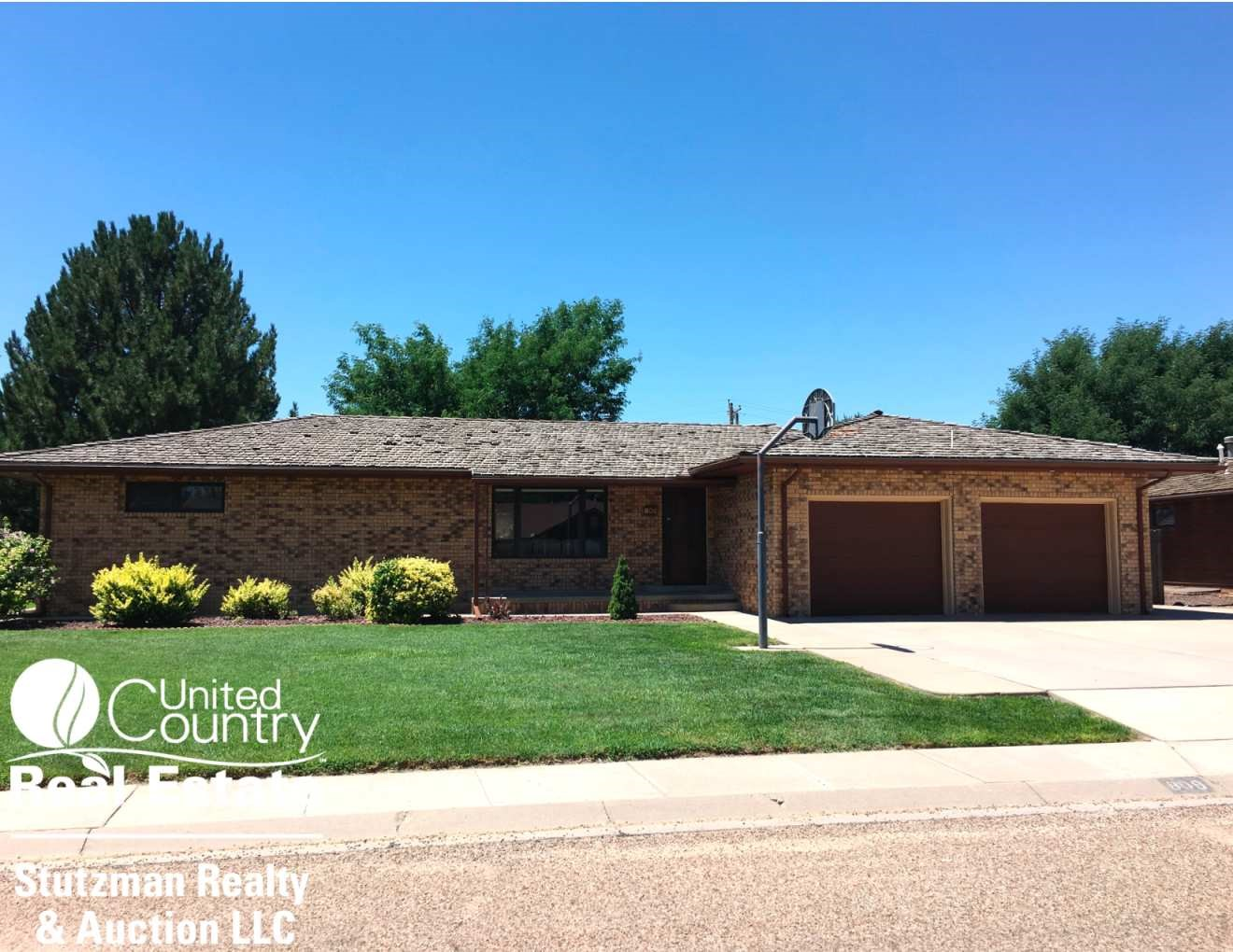 INVITING MOVE-IN READY BRICK HOME FOR SALE IN SOUTHWEST KS