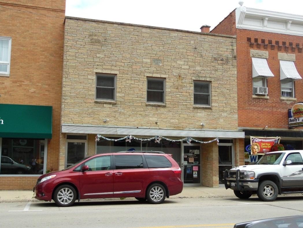 Commercial Building - Highway 20 Frontage in Elizabeth, IL