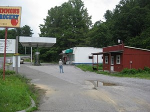 BUSINESS LOCATED BETWEEN RINER & THE TOWN OF FLOYD VA!