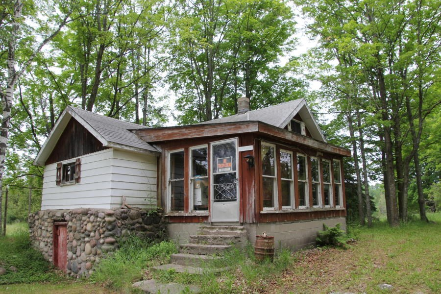 Cabins on Private Lake for Sale with 87 Acres in Onaway MI