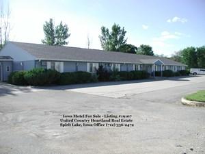 IOWA MOTEL FOR SALE - 40 ROOMS