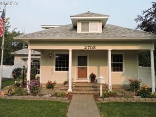 LA GRANDE OR HOME FOR SALE WITH LOTS OF EXTRAS