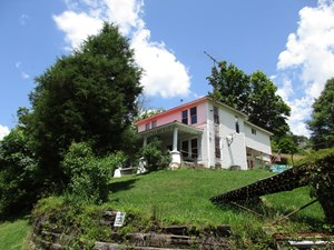 168.16 ACRE WV  FARM, APARTMENT, AND HUNTING CABIN