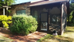 BRICK HOME WITH GARAGE APARTMENT FOR SALE IN MERTZON, TEXAS