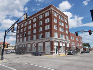 COMMERCIAL OFFICE SPACE & APARTMENTS IN MIAMI, OKLAHOMA