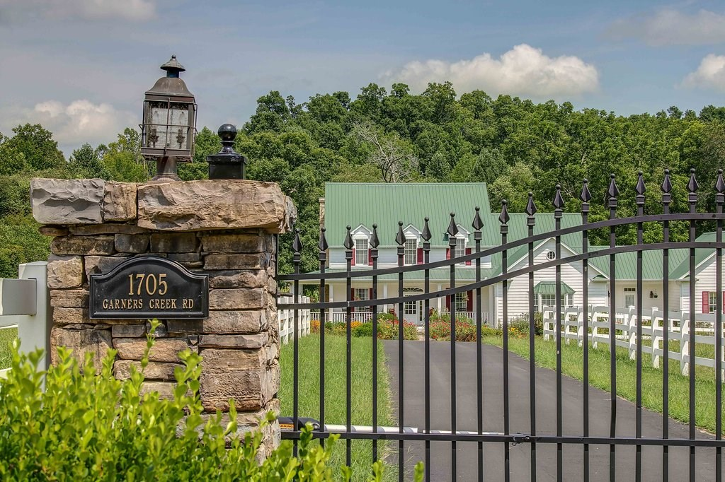 Equestrian Estate in Middle TN near Nashville TN