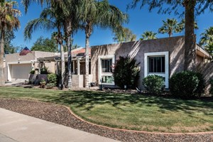 HOME WITH POOL FOR SALE CASA GRANDE AZ PUTTING GREEN