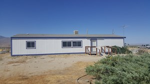 COUNTRY HOUSE FOR SALE NEAR WINNEMUCCA WATER RIGHTS!