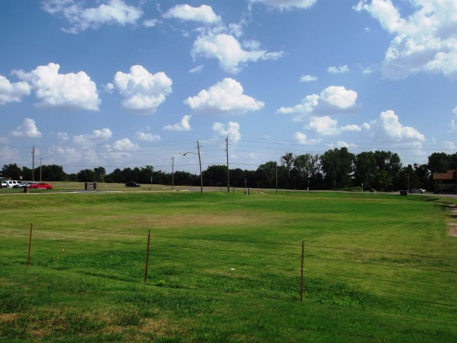Commercial Land for Sale - Clinton, OK