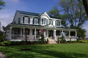 CARLINVILLE COUNTY HOME ESTATE FOR SALE WITH ACREAGE
