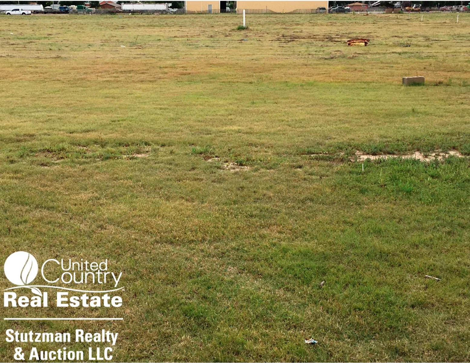 COMMERCIAL VACANT LOT LOCATED ON CORNER OF BUSY HWY 25