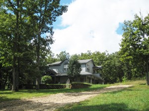 COUNTRY HOME FOR SALE IN MISSOURI!  60 ACRES WITH BIG HOUSE!