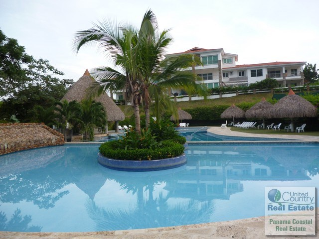 APARTMENT IN PUNTA BARCO Panama real estate beachfront