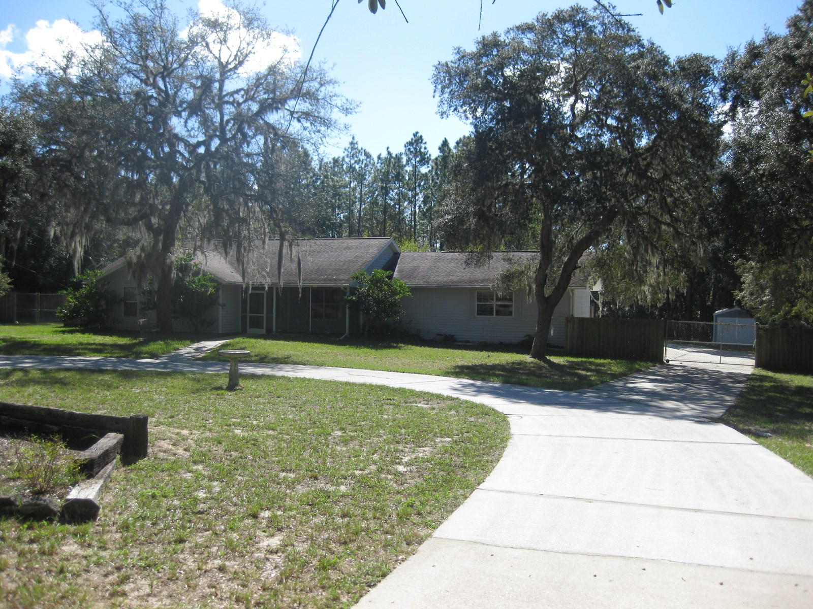 KENSINGTON ESTATES RANCH HOME WITH POOL IN LECANTO, FLORIDA