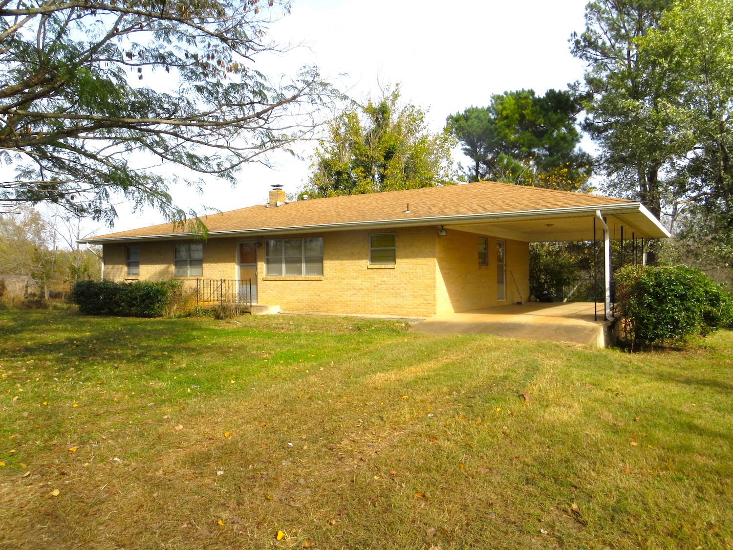 Farm with Two Homes For Sale near Spring River in Arkansas