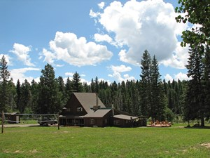 COLORADO OUTFITTING BUSINESS FOR SALE W/35 ACRES, BASE LODGE