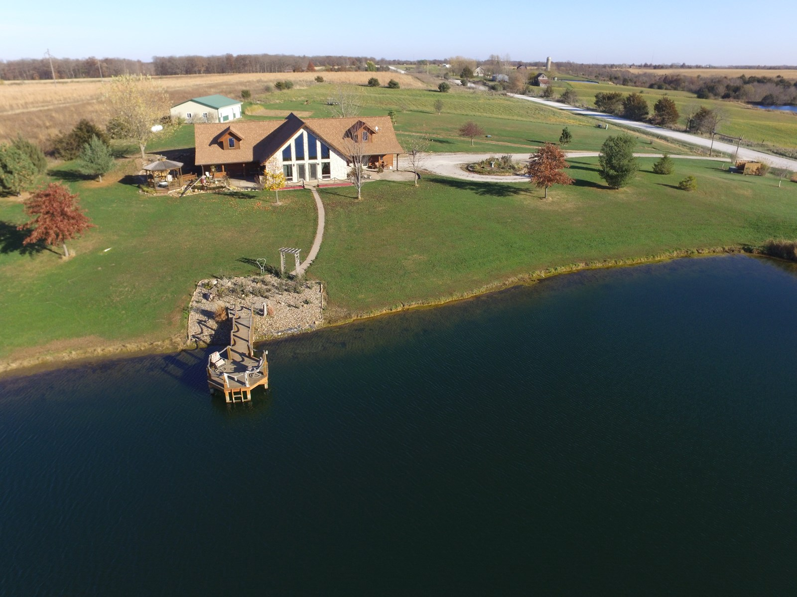 Beautiful Country Acreage For Sale in Southeast IA