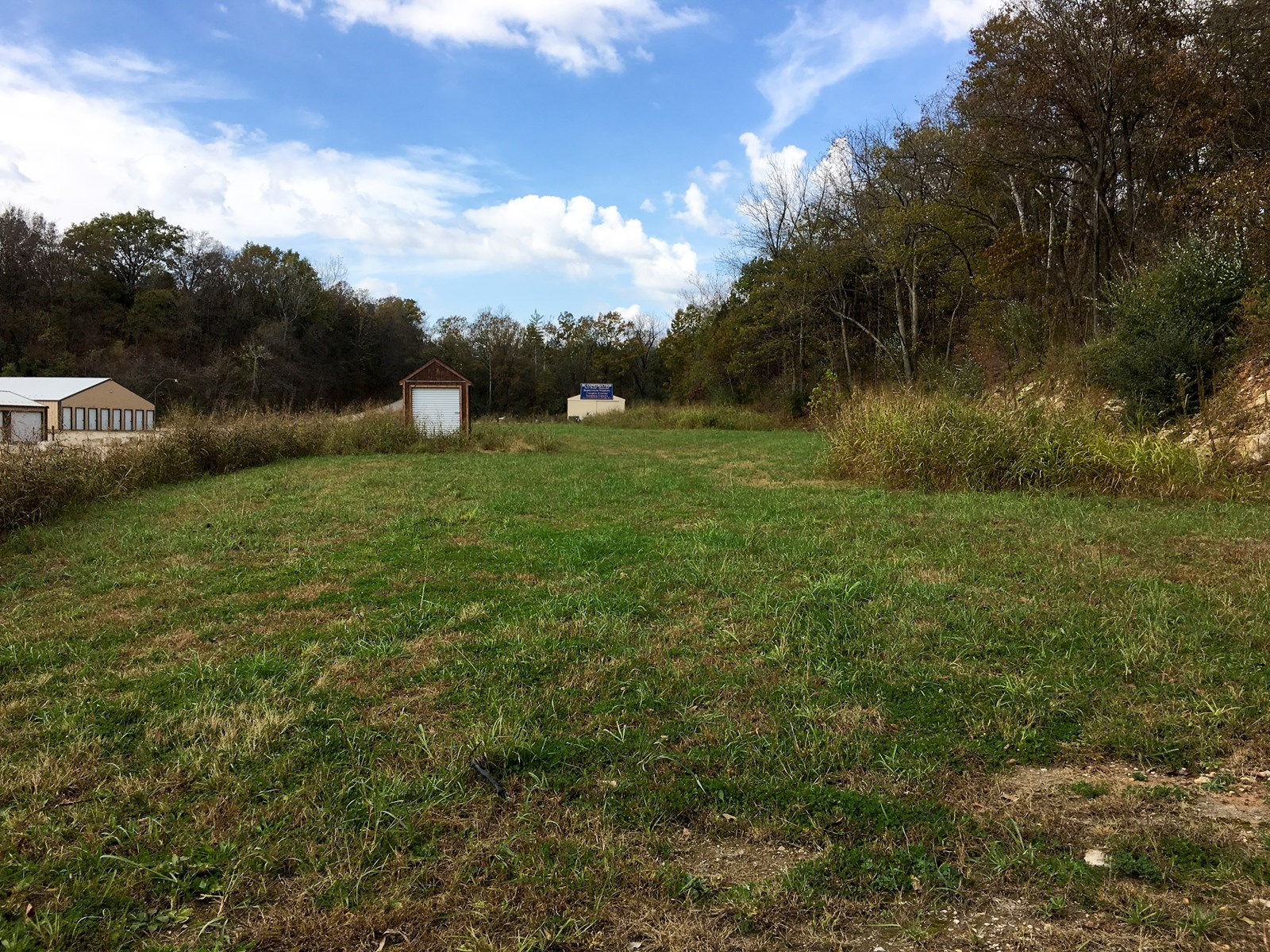 Warehouse Storage & Acreage For Sale in Hermann, Missouri