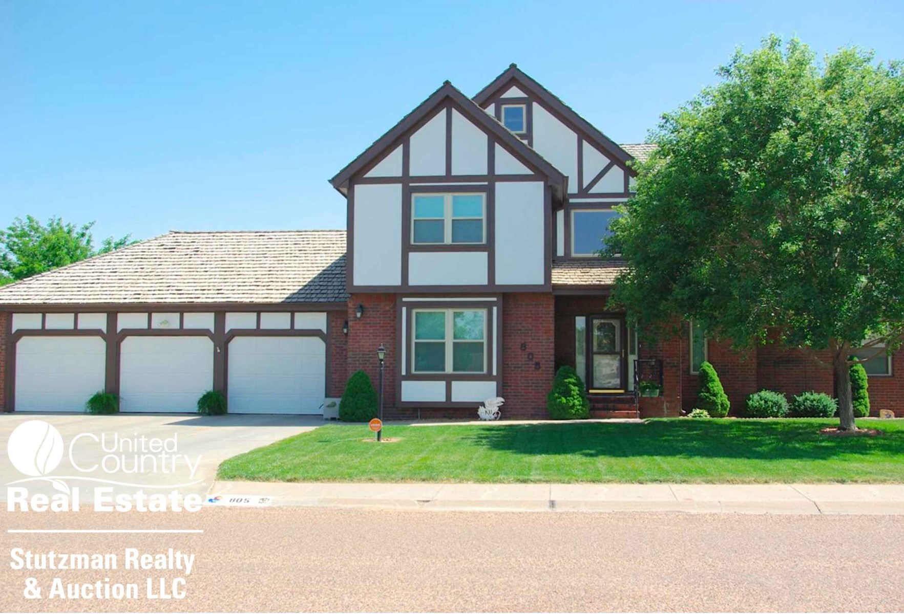 EXQUISITE 2 STORY HOME FOR SALE IN ULYSSES, KS