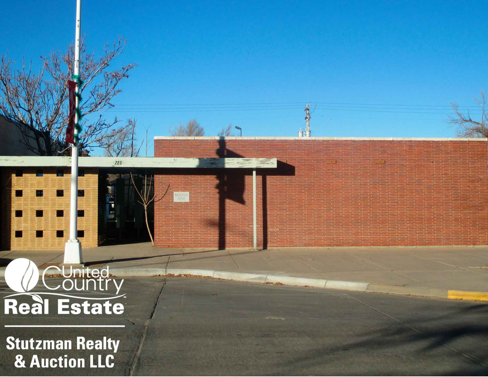 OFFICE BUILDING in ULYSSES, KS - SELLING BY PRIVATE AUCTION