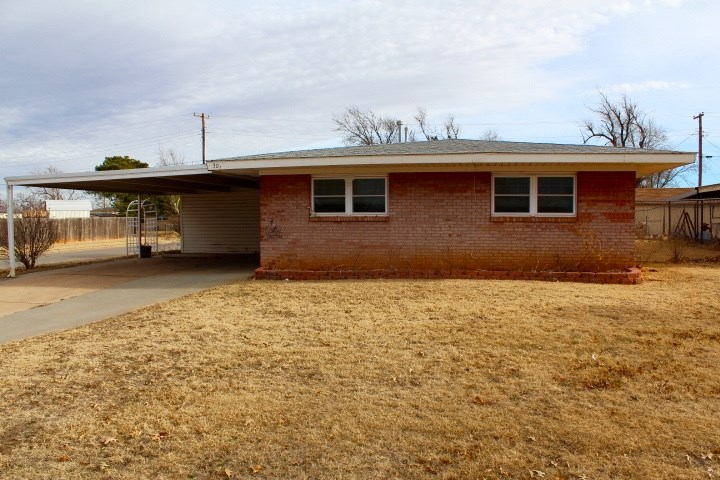 3 BEDROOM 2 BATH HOME ON CORNER LOT