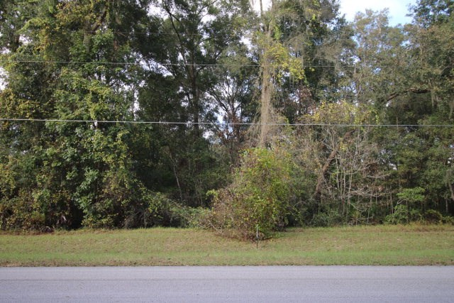 Beautiful build-able home lot in Silver Oaks Subdivision