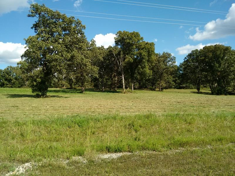 FOR SALE NEAR WEST PLAINS MO - OAK ESTATES RESIDENTIAL LOTS