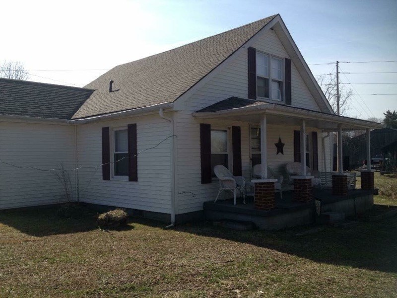 PENDING SALE! !! Home on acreage in Cumberland County, Ky