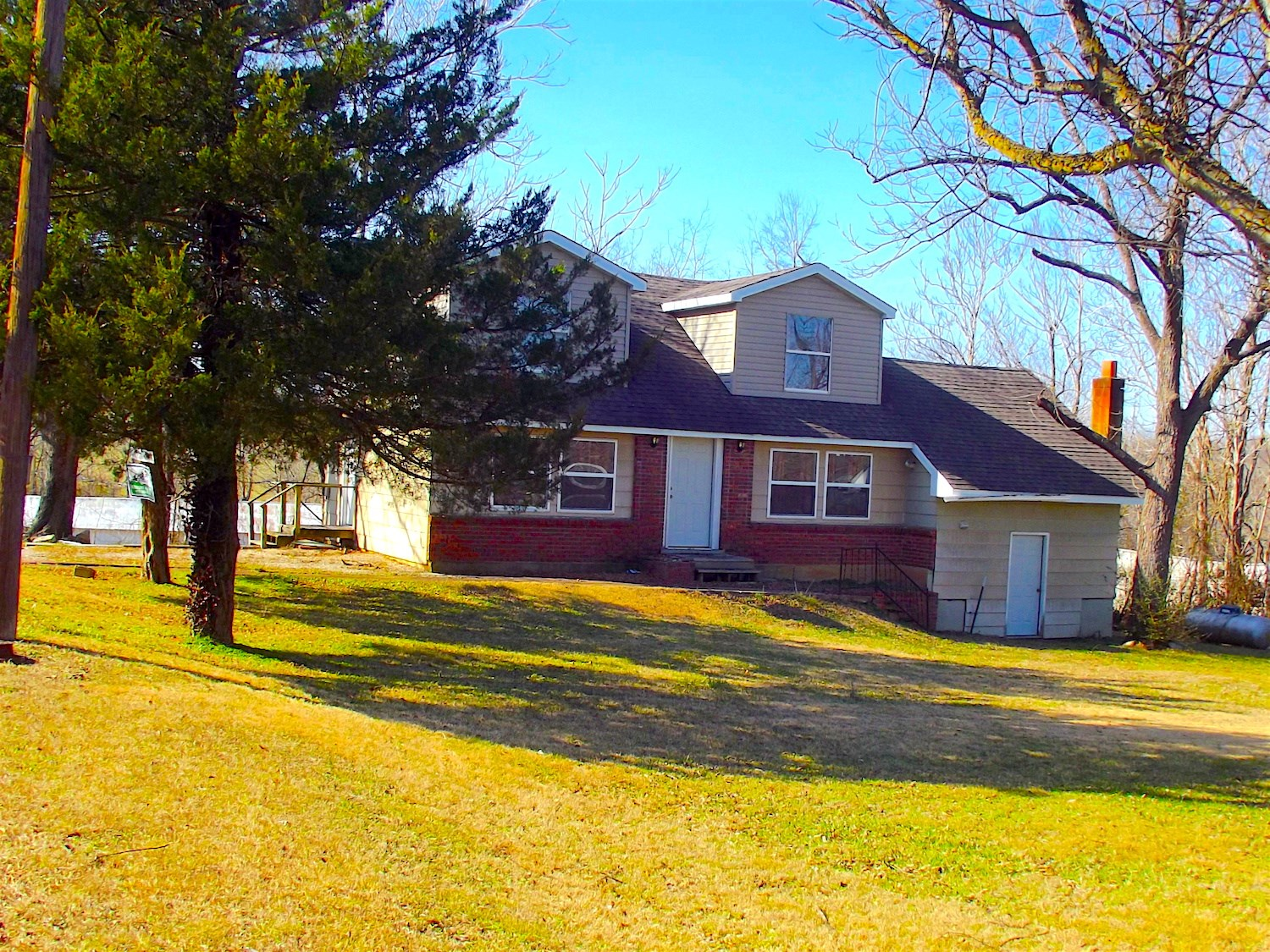 Home For Sale in Thayer School District, Missouri