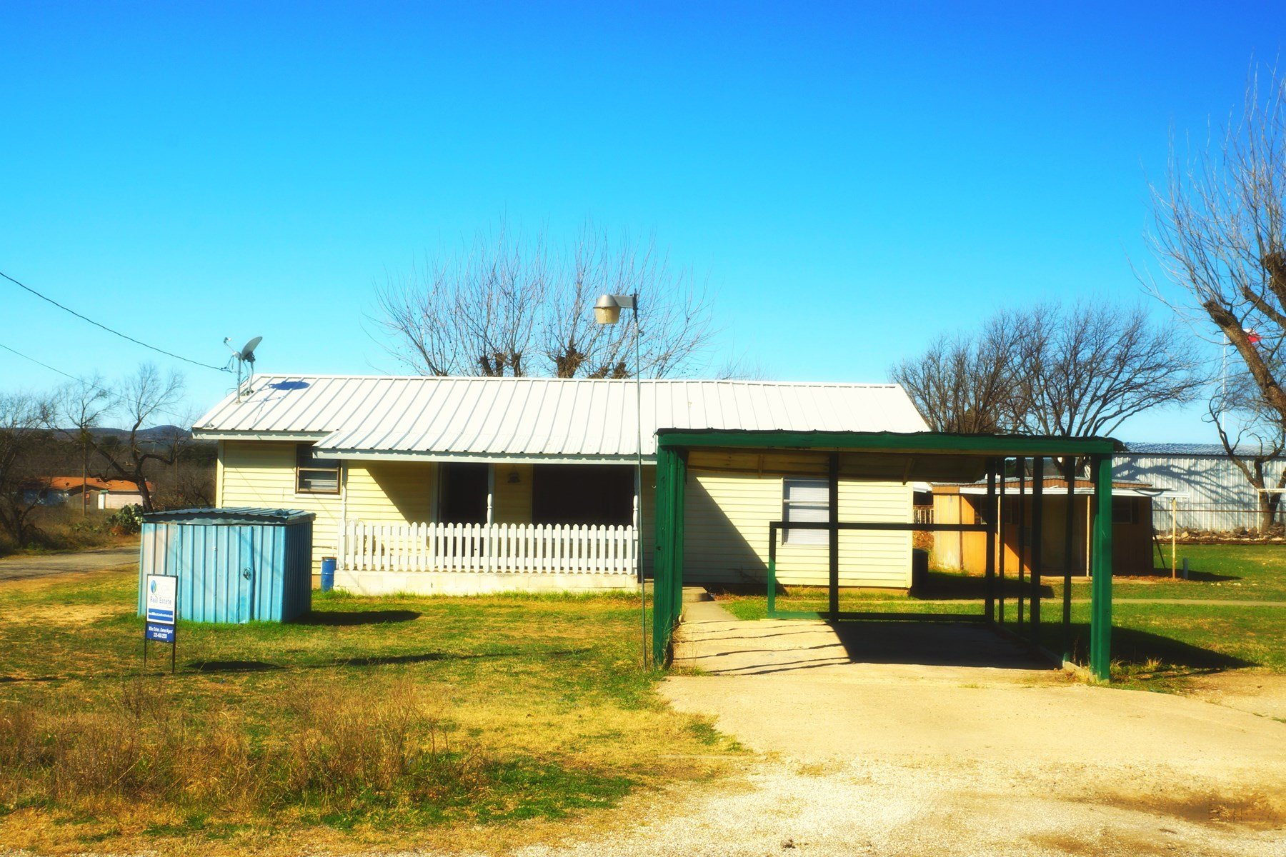 SHERWOOD COTTAGE FOR SALE NEAR MERTZON, TEXAS