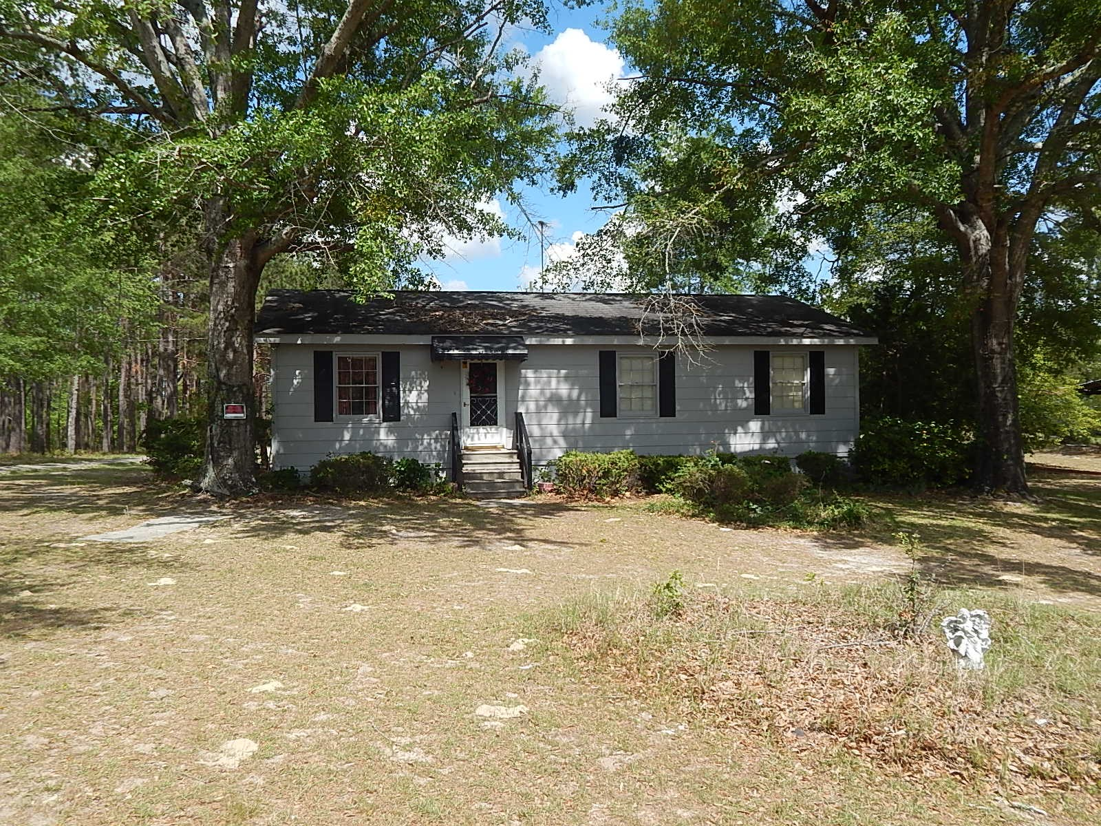 Quaint 2BD/2BA Home on 3 Acres in Hiltonia, GA
