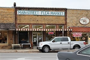 DOWNTOWN MOUNTAIN VIEW COMMERCIAL BUILDING FOR SALE