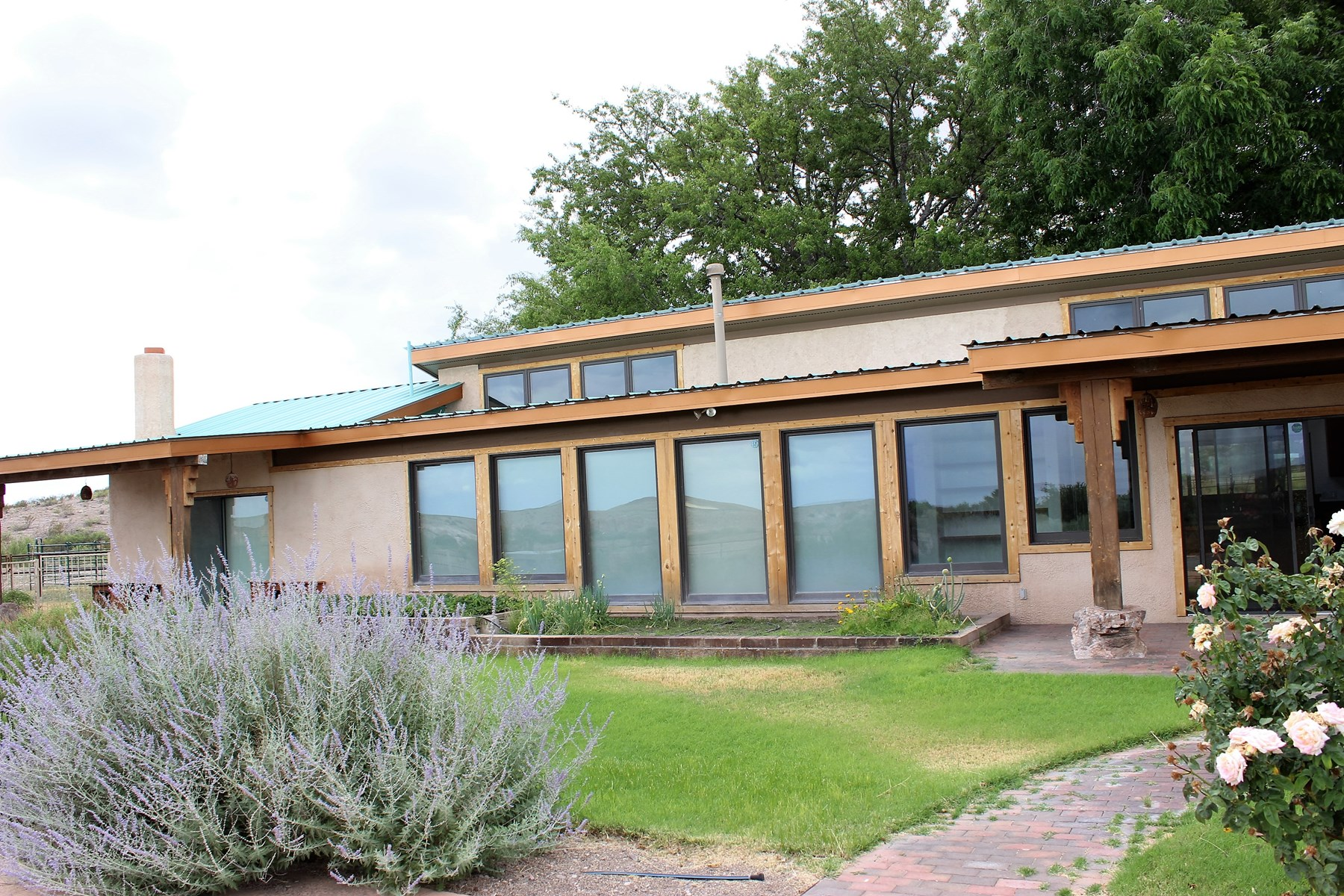 Hillsboro, NM Farm Auction +/-383 AC, +/-4900 SF Luxury SW Style Home, Horse Facilities, Shops