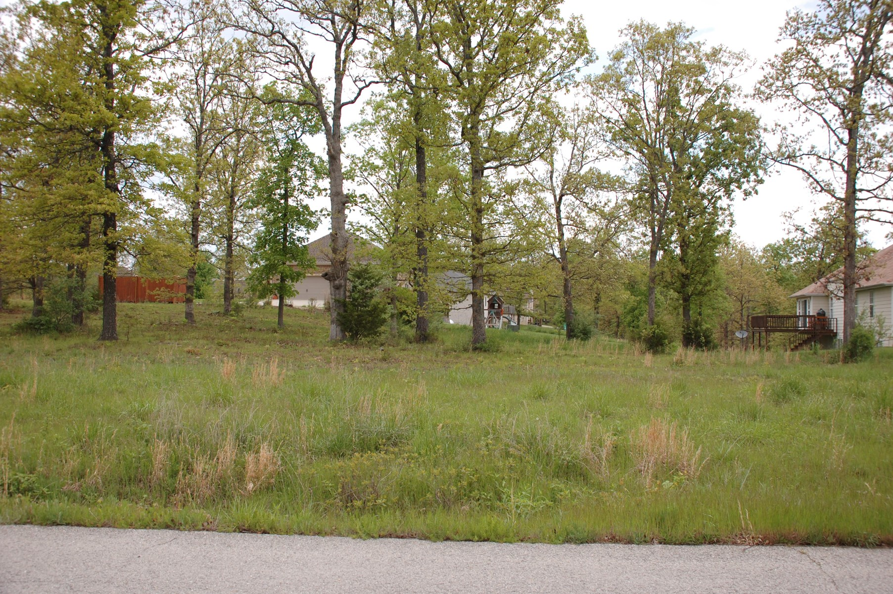 FOR SALE IN WEST PLAINS, MO     -  QUAIL RUN RESIDENTIAL LOT