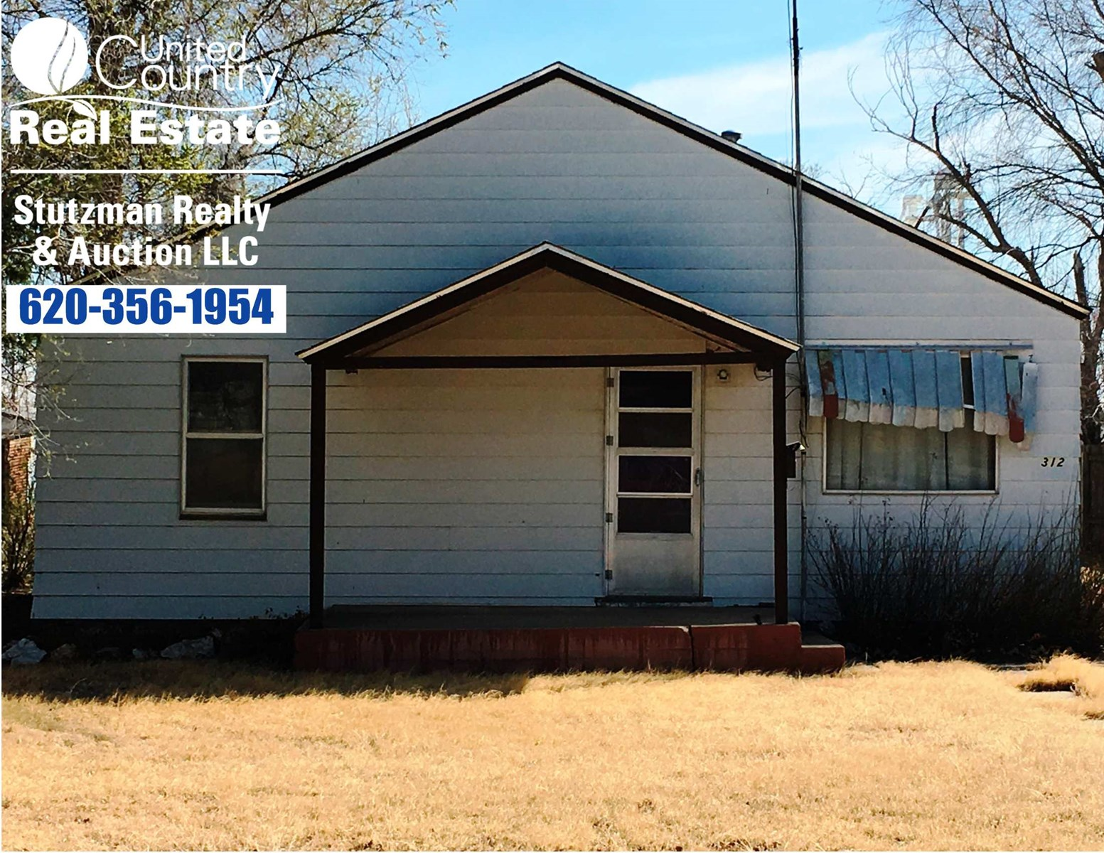 INVESTORS OR HOUSE FLIPPERS THIS HOME IS FOR YOU!!