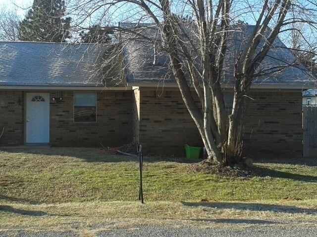 HOUSE AND EXTRA LOT FOR SALE IN DILL CITY