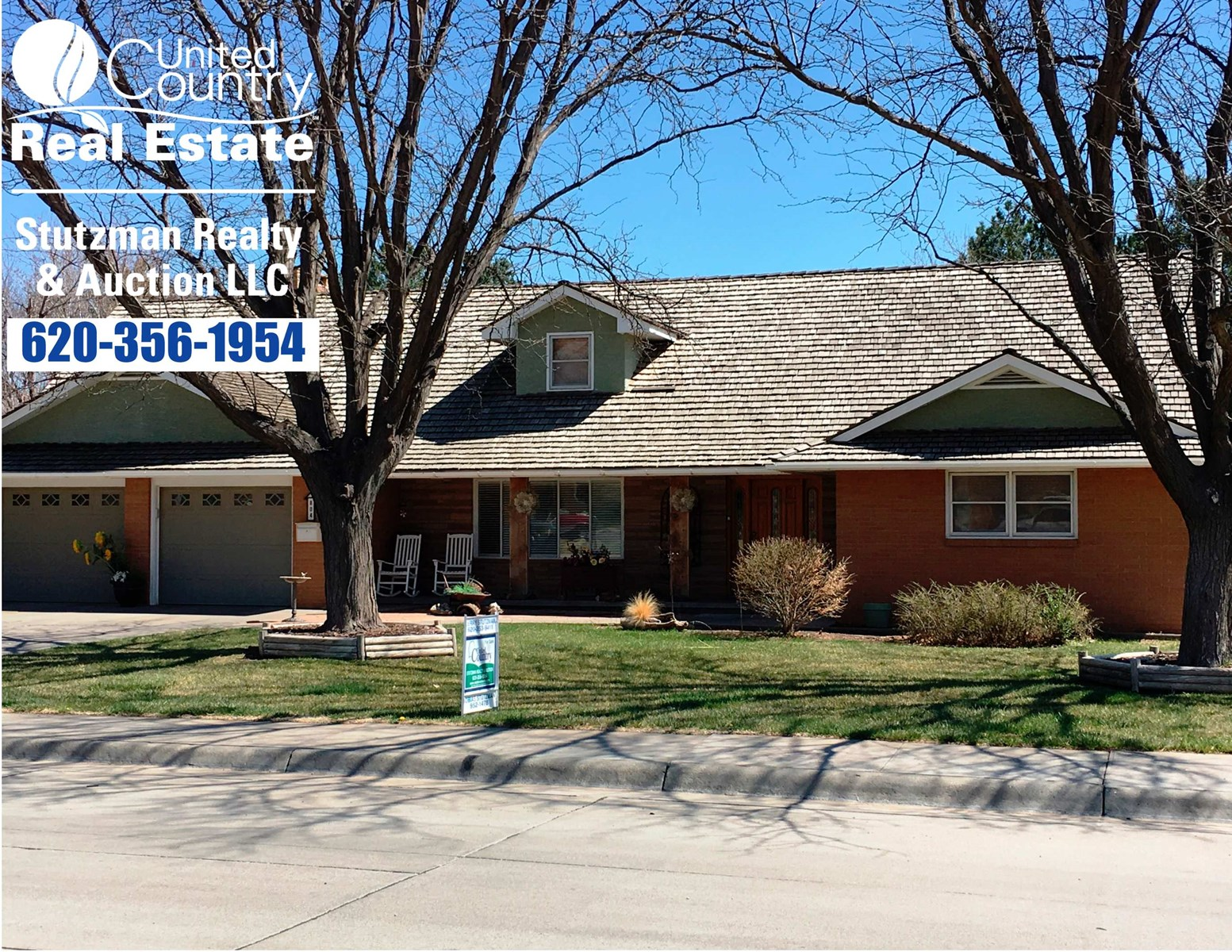 EXECUTIVE STYLE 2 STORY BRICK/STUCCO HOME IN ULYSSES, KS