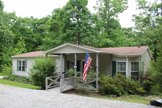 Country Home in the Ozark Mountains For Sale