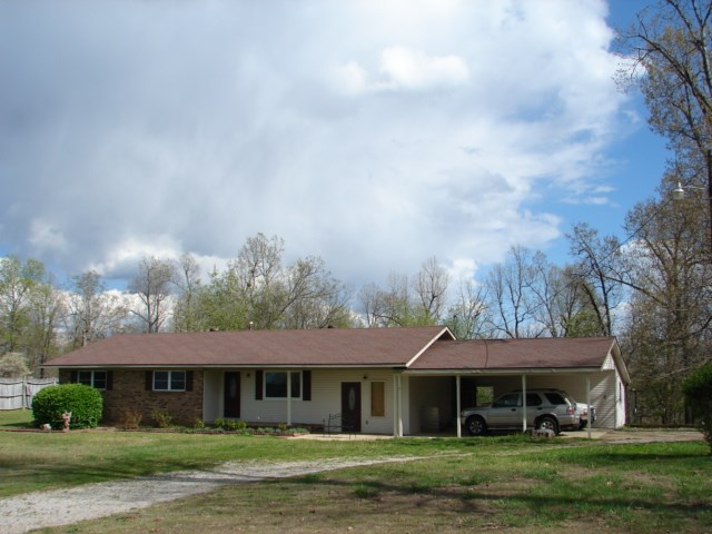 OZARKS COUNTRY HOME WITH SHOP AND ACREAGE FOR SALE