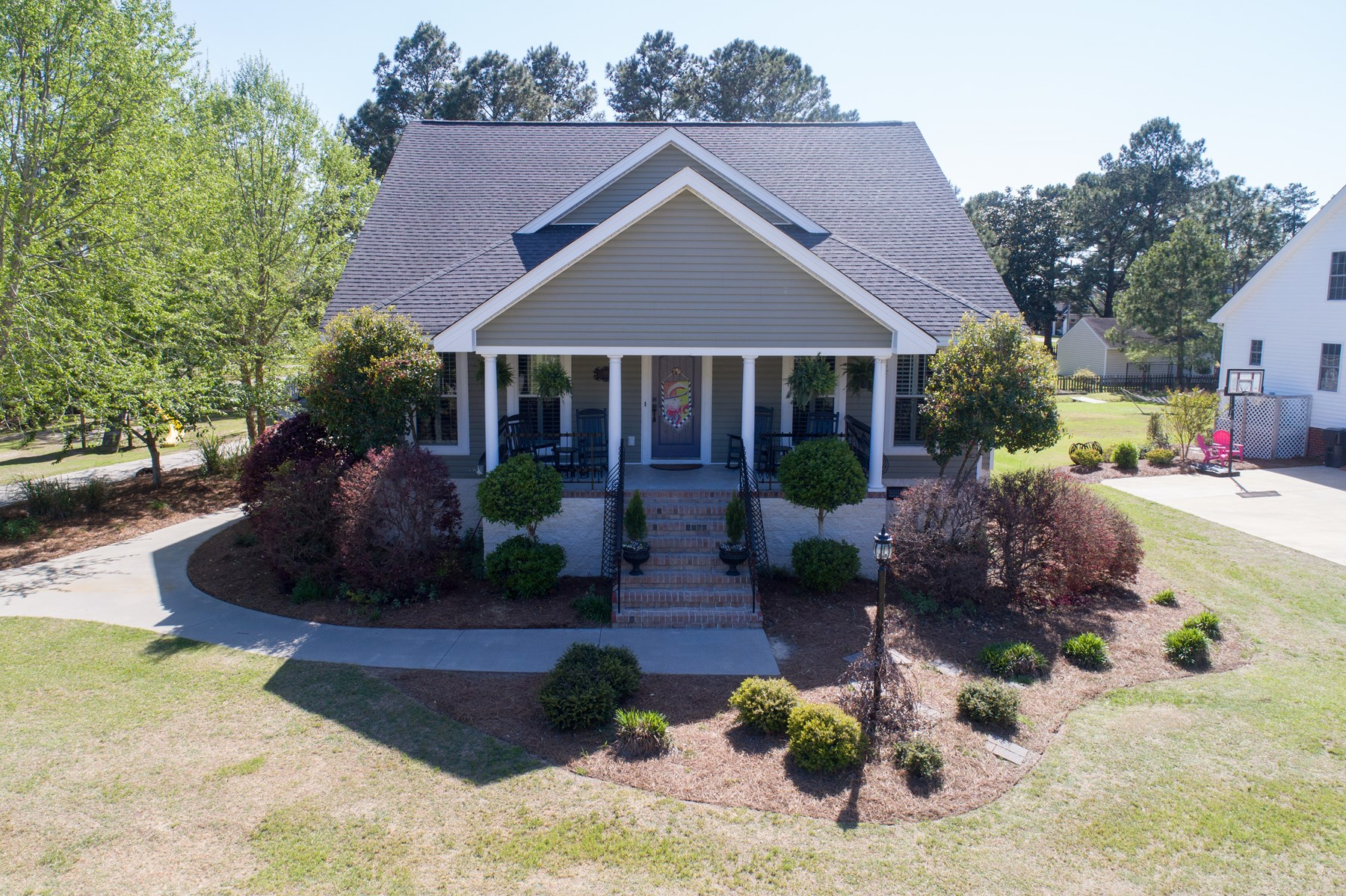 Home With Pool For Sale in Washington, NC, Beaufort County