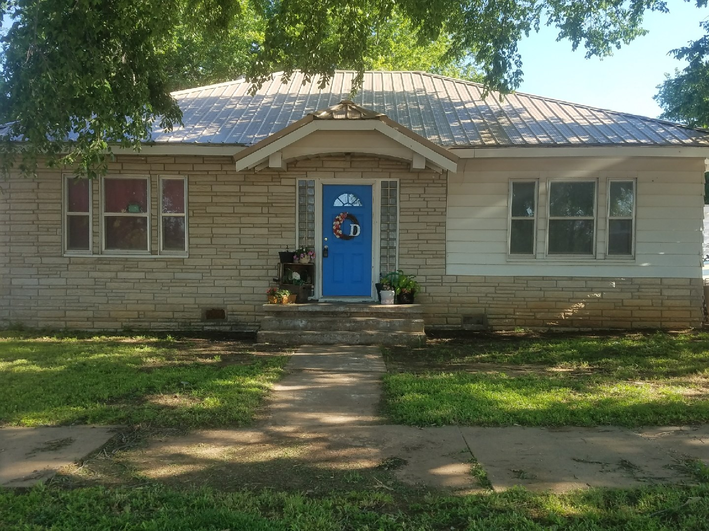 Home For Sale in Perry, OK