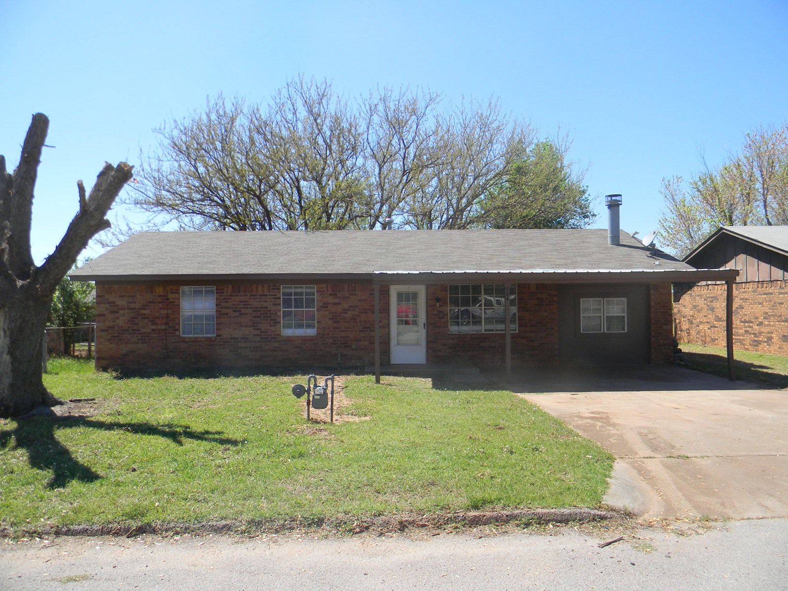Clinton, Oklahoma home for sale 3 bed 1.5 bath new updates