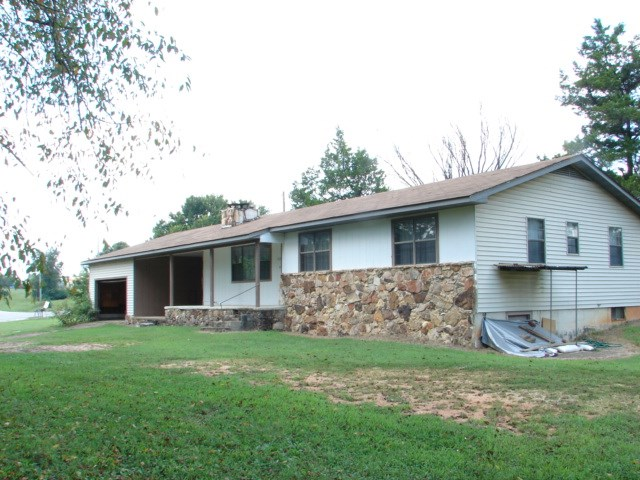 OZARKS COUNTRY STYLE RANCH HOUSE FOR SALE - SALEM, AR