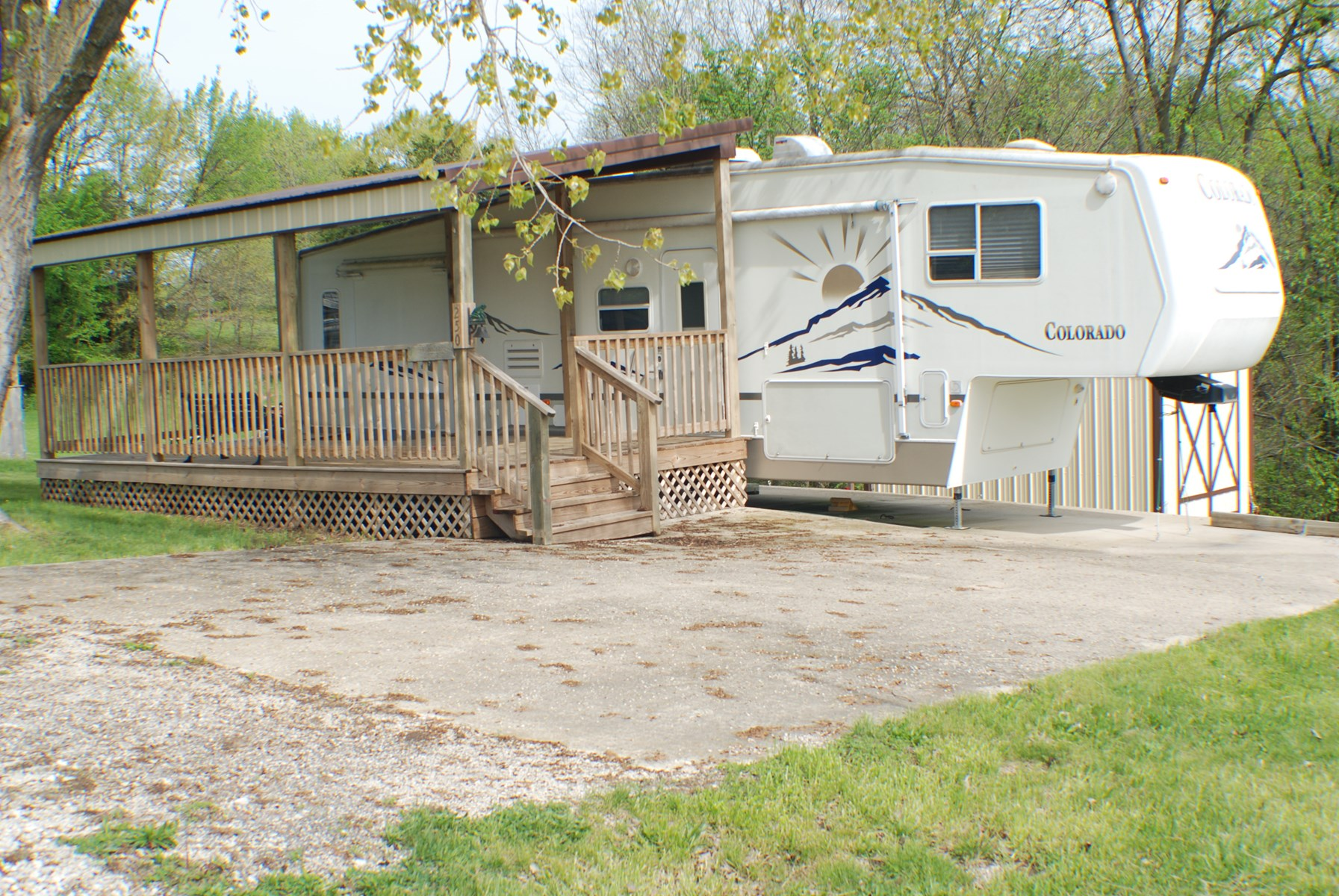 Outstanding camper setup at Lake Thunderhead for sale