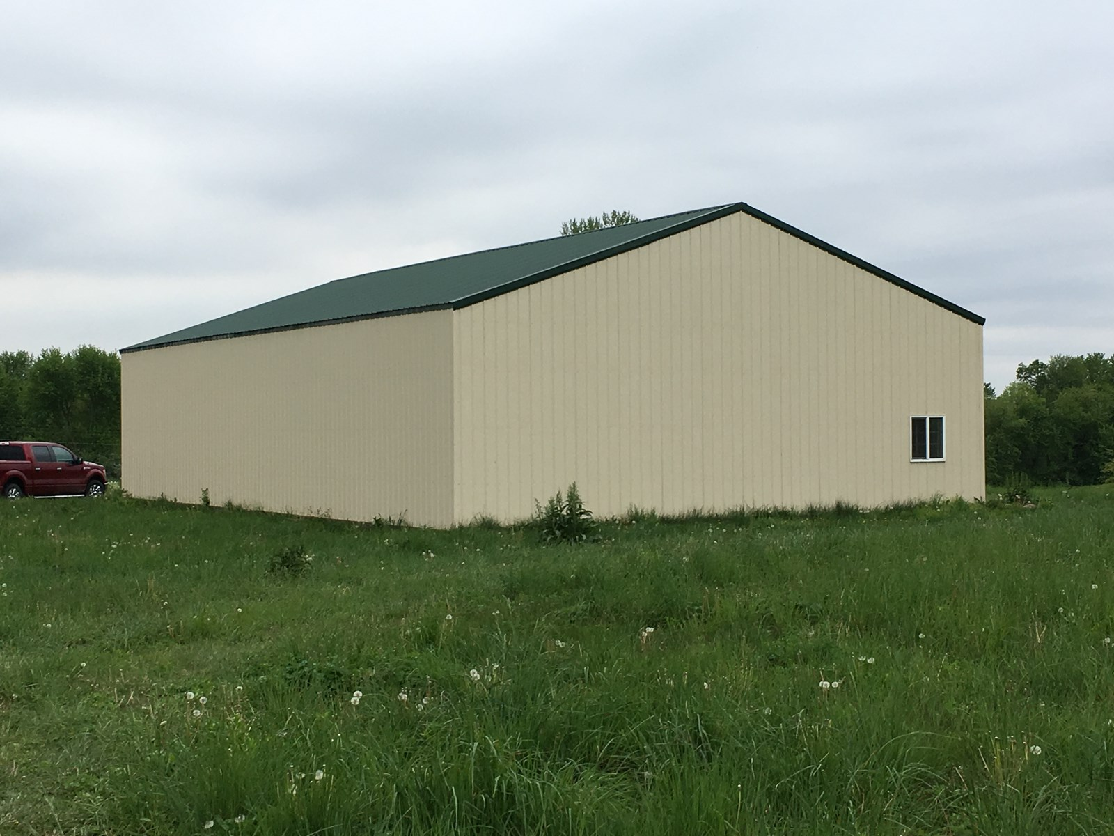 9.8+/- Acres In Country Club, Mo w/ Metal Building