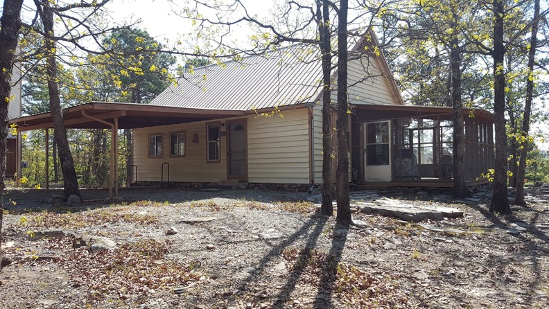 Off-the-Grid Home for Sale in the Kiamichi Mountains