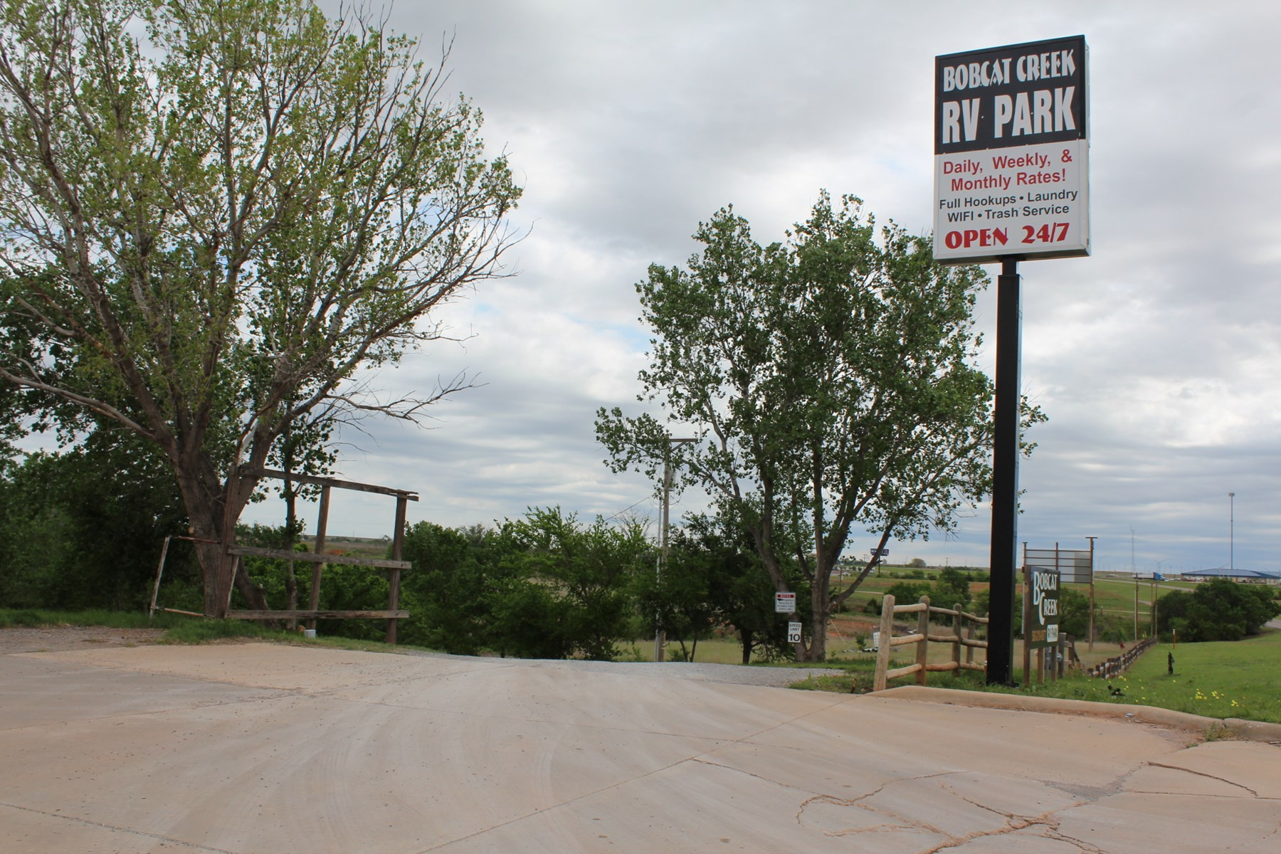 RV PARK ON ROUTE 66 WITH 30 LOTS