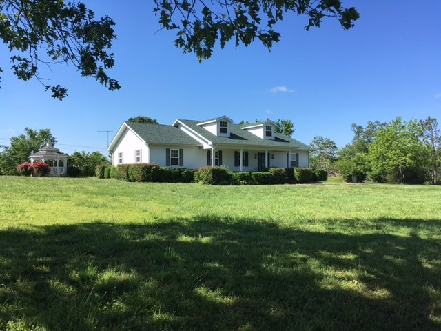 Ozarks Country Home For Sale